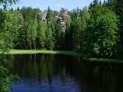 Bischofstein - jezioro pod ruinami zamku